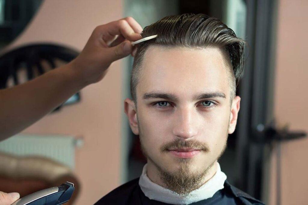 Coupe de cheveux undercut pour homme