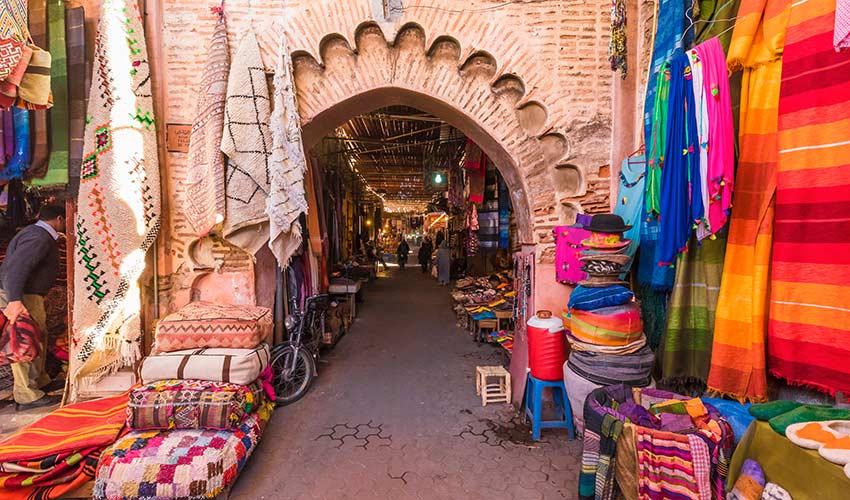 Le souk à Marrakech au Maroc